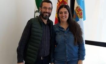 El alcalde ha recibido a Begoña Arana, recientemente galardonada con el Premio Social de la Fundación Princesa de Girona