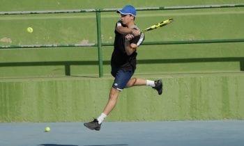 """Antonio Manuel Damián Ruiz campeón infantil  y  Evan Chapuis campeón alevin, ambos del Linense Tenis Club en el """"Open de Tenis de Marzo"""""""
