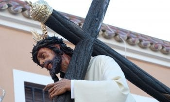 (GALERÍA DE FOTOS) Todo un barrio de San Pedro se emocionan con Jesús del Perdón y María Santísima Salud