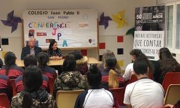 """La campaña """"50 años, muchas historias que contar"""" inicia su andadura por centros educativos"""