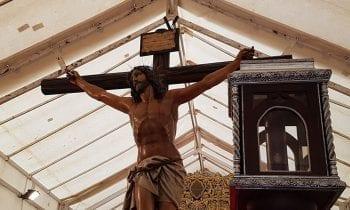 Sagrado Corazón de Jesús con el Abandono y la Virgen del Mayor Dolor no realizar la estación de penitencia por culpa de la lluvia