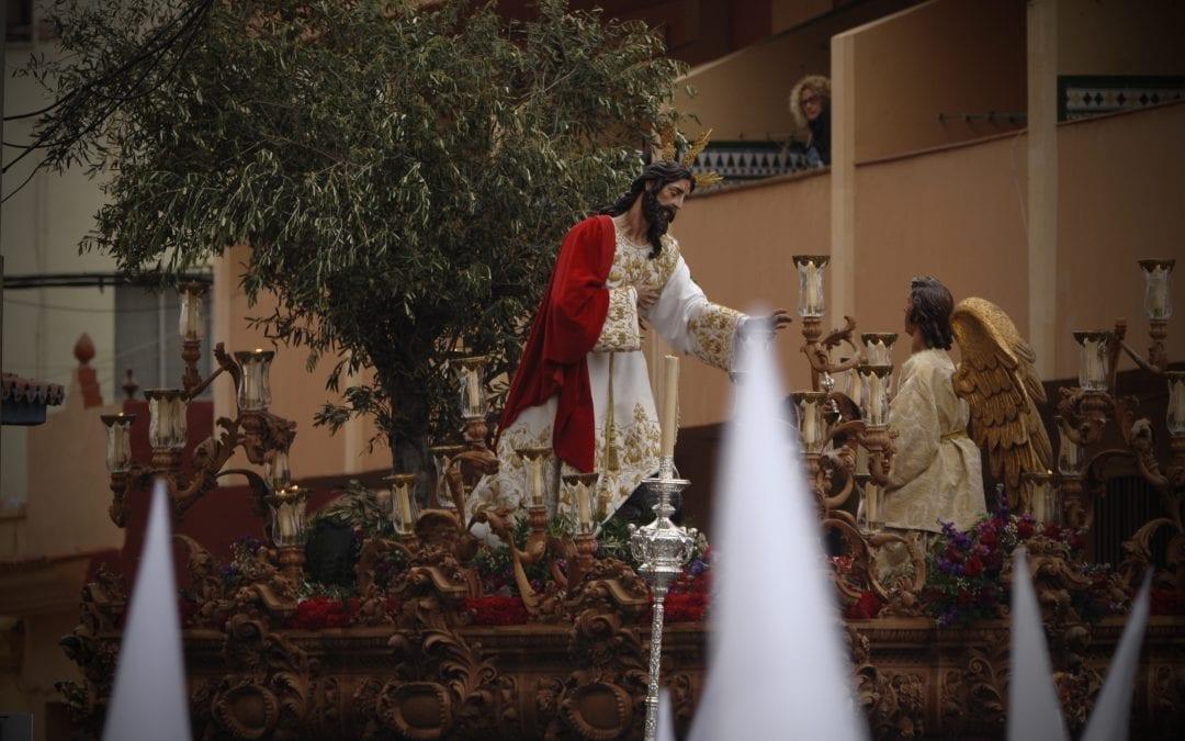 (GALERÍA DE FOTOS)-Nuestro Padre Jesús de la Oración del Huerto y la de María Santísima del Amor enamora las calles del barrio de San José