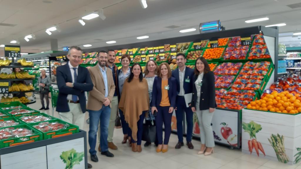 El alcalde acude a la reapertura del supermercado Mercadona de la calle Cartagena