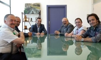 El alcalde recibe a la nueva junta directiva de la Peña Flamenca Cultural Linense