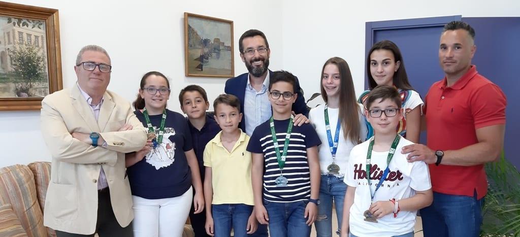 El alcalde felicita al Club Lemus Han por el medallero conseguido en el campeonato andaluz de Taekwondo