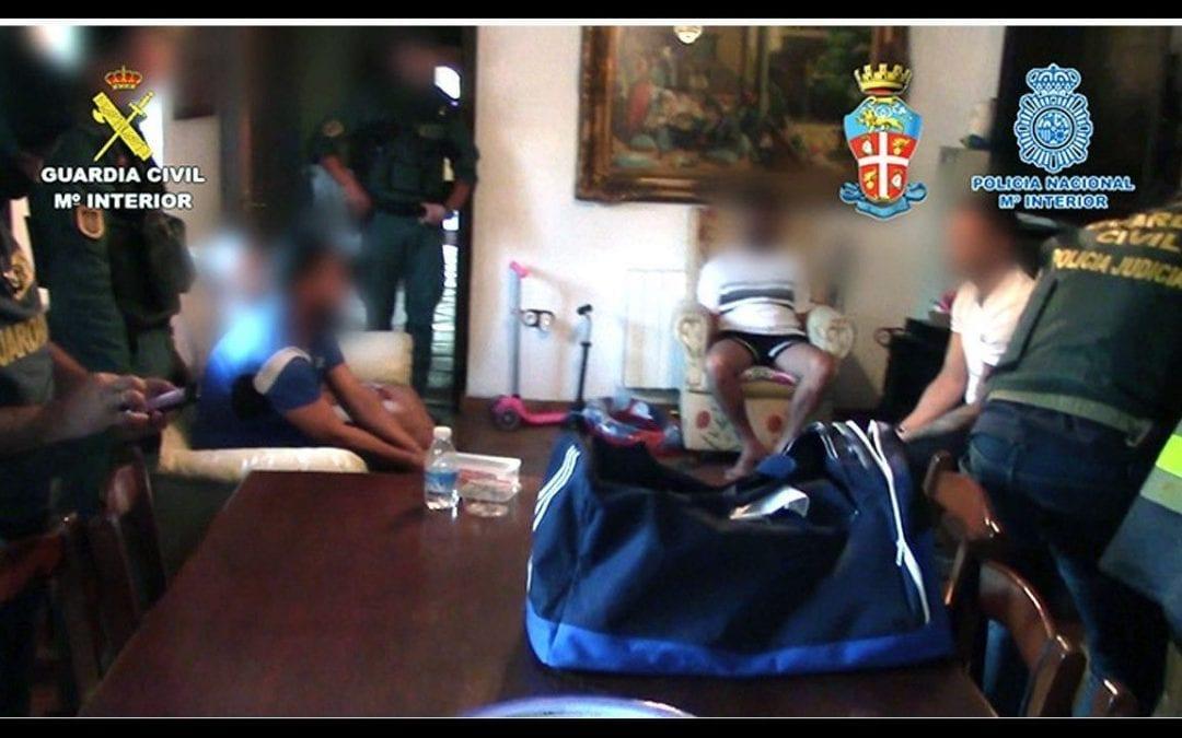 """Desarticulada una organización de narcotraficantes integrada por miembros de la 'Ndrangheta´ italiana y del """"clan de los Castañas"""""""