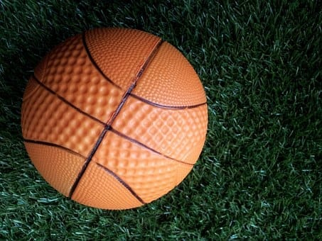 Cinco centros educativos participarán el jueves en la liga escolar de baloncesto
