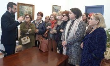 El alcalde ha recibido esta mañana a mujeres del Centro de Mayores de La Atunara