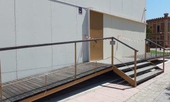 Mantenimiento Urbano realiza reparaciones de acerado público y pintado de dependencias municipales