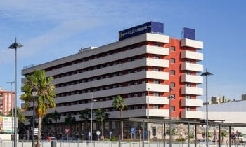 Turismo confirma que todos los hoteles y hostales de la ciudad, además de las casas flotantes del puerto Alcaidesa Marina, han abierto ya sus puertas tras el fin del Estado de Alarma