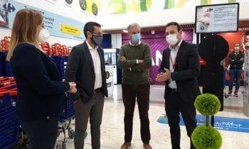 El alcalde comprueba las medidas de seguridad ante el Covid-19 dispuestas en el Centro Comercial Carrefour