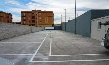 El Ayuntamiento notifica en el BOE la existencia de turismos con placas de matrículas extranjeras abandonados en los depósitos de vehículos