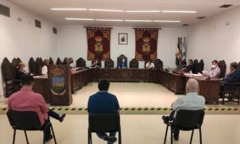 El alcalde presenta a las asociaciones que representan a las personas con movilidad reducida los objetivos del VI Plan de Asfaltado