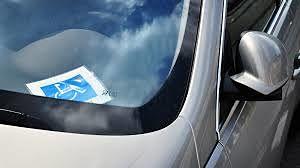 La Policia Local llevará a cabo la semana próxima una campaña sobre el uso fraudulento de las tarjetas de estacionamiento de vehículos para personas con movilidad reducida