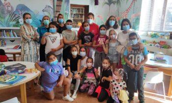El programa de Asuntos Sociales 'Conoce tu ciudad' acerca la biblioteca a 25 menores de Atunara y Junquillos